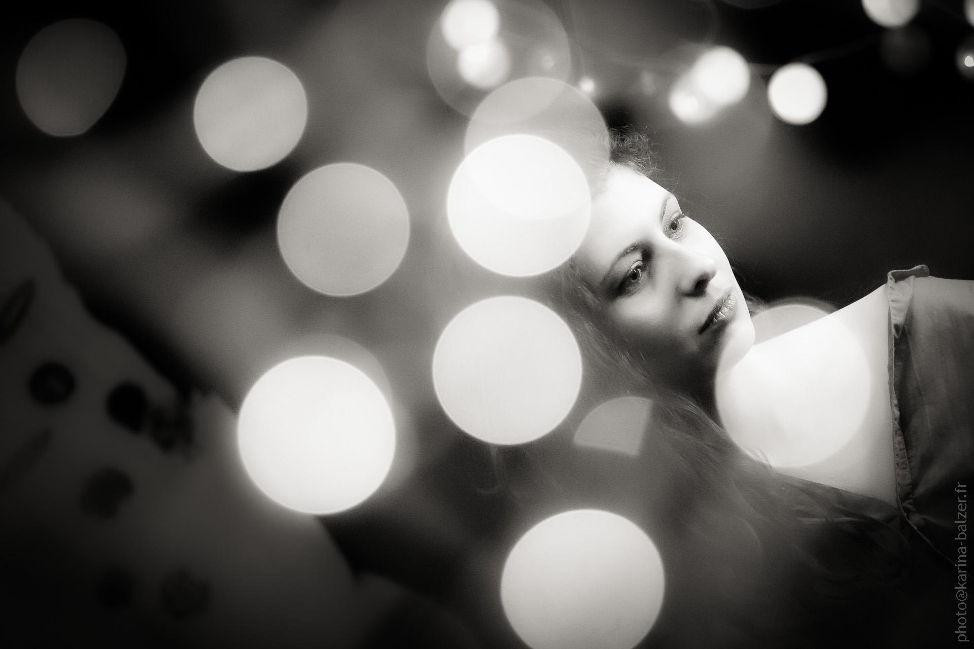 """prise de vue """"fairy lights"""" portrait noir et blanc"""